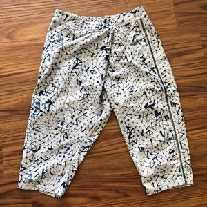 Lululemon Lounge Capri Dance Pants 4